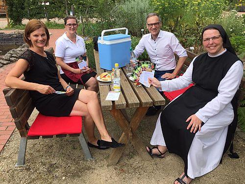 Vorstellung des Picknick-Korbs.
